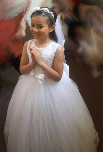 Ella wearing the Carrie full length Communion Dress on her Holy Communion Day