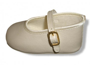 Cuquito Q59477 14217 Beige Pearlised Pram Shoes