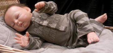 Taille O 26564 Sample Brown Stripe Onesie