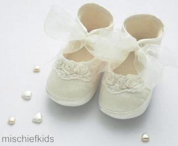 Little Darlings 2930 Girls Ivory Silk Pram Shoes