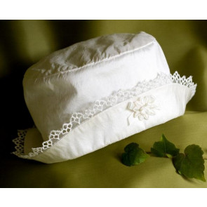 Angels and Fishes ANGEL Ivory Silk Lace Trim Cloche Hat