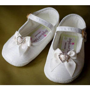 Angels and Fishes AMELIE MARIA CHLOE Ivory Pram Shoe